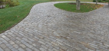 Reclaimed Used Brick Cobblestones And Curbing Experienced Brick