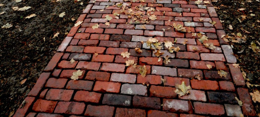 Jamestown Rustic Street Bricks